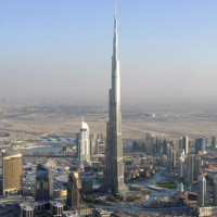 Watch As This Drone Flies To The Top Of The Burj Khalifa In Dubai