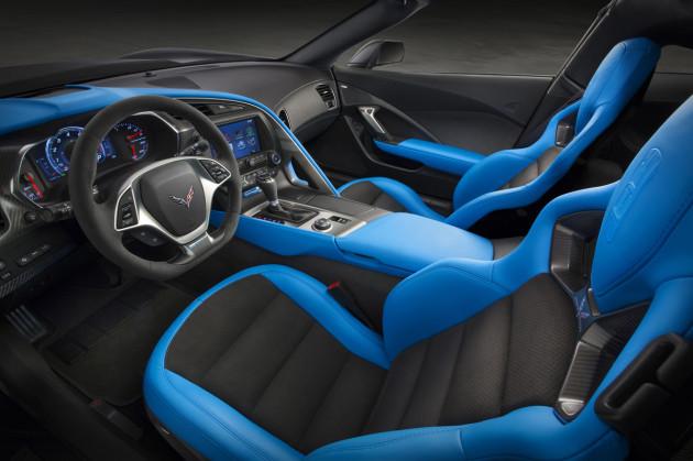 2017-Chevrolet-Corvette-Grand-Sport-3