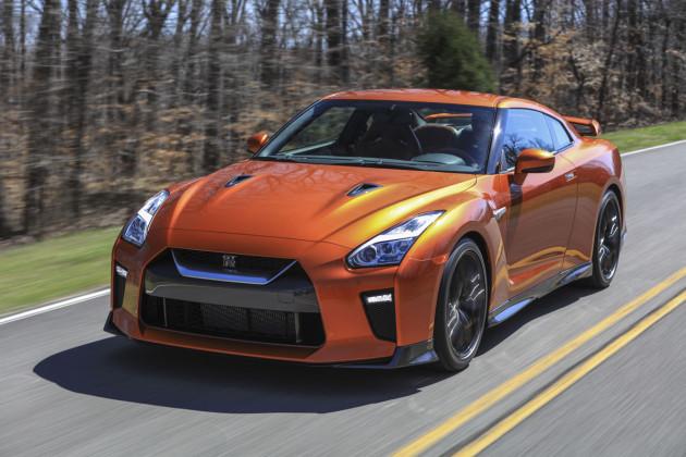 2017-Nissan-GTR-2