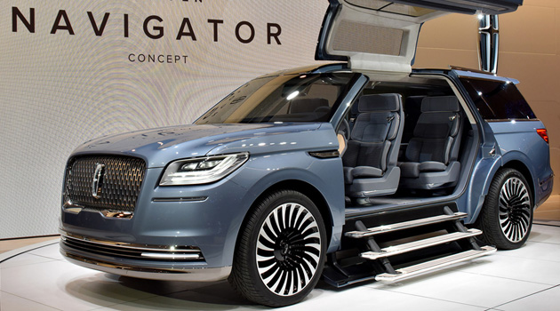 Lincoln Navigator Concept Wows Crowd With Its Massive Gullwing Doors