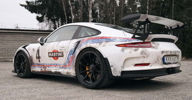 Porsche-911-GT3-RS-Distressed-Martini-Wrap-2