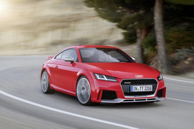 2017-Audi-TT-RS-1