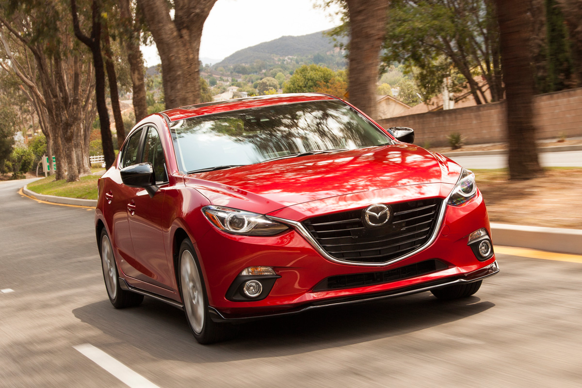 2016 mazda3 5 door delivers zoom zoom with some extra room. Black Bedroom Furniture Sets. Home Design Ideas