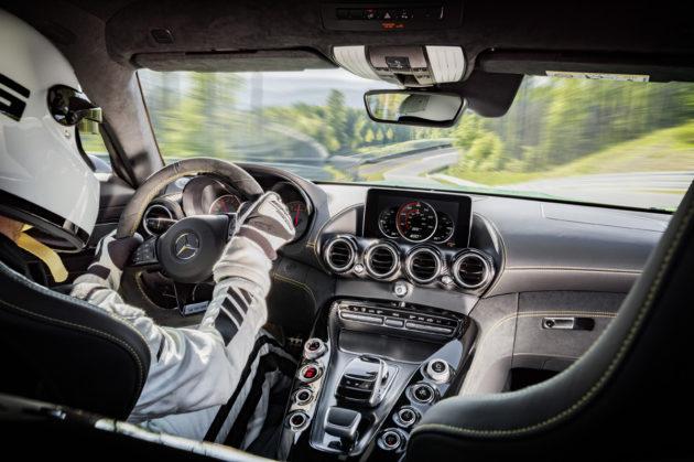 2018_Mercedes-AMG-GT-R-6