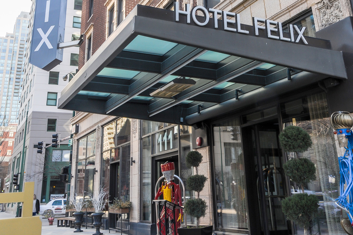 Review hotel felix in chicago for Hotell chicago