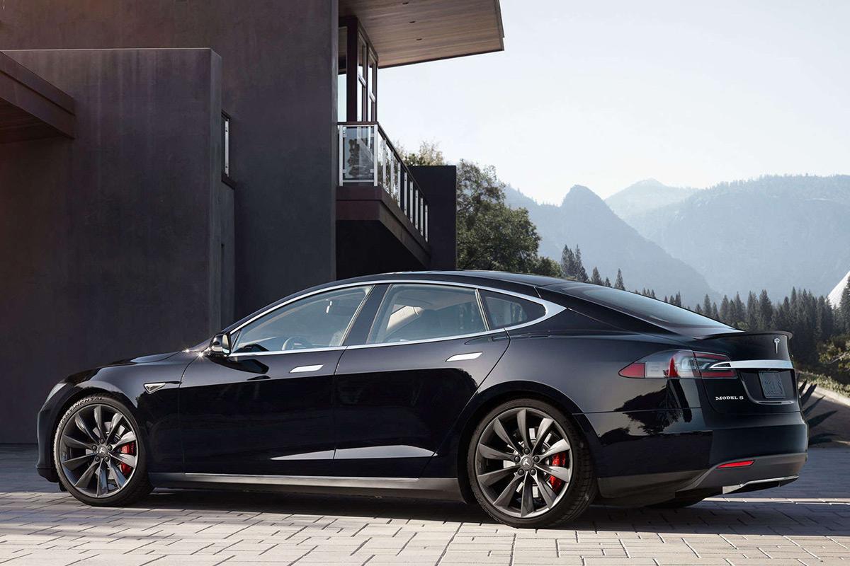 Tesla Model S P100D Gets Faster (0-60 In 2.4s) After Software Update