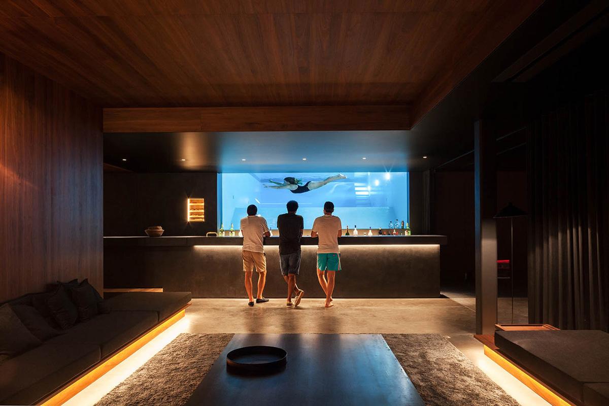 This guy built the ultimate bachelor pad complete with an underground club - Bachelor house ...