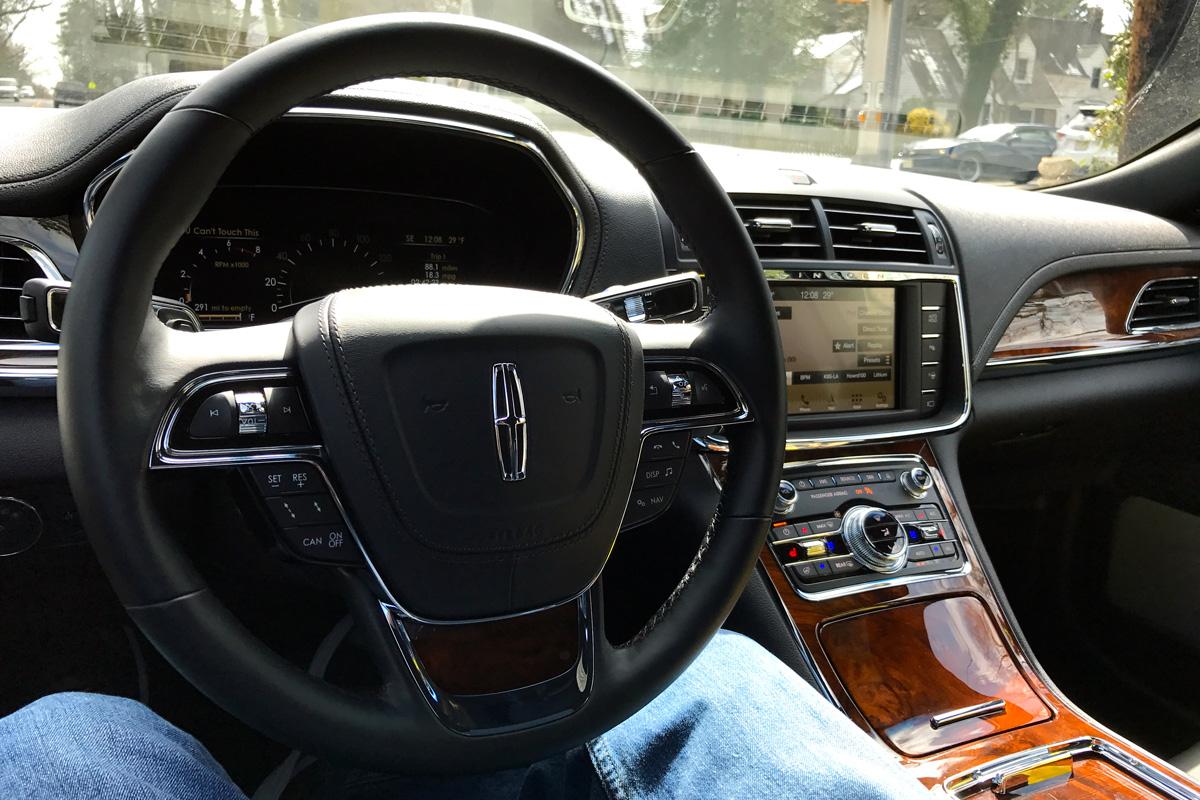 2017 Lincoln Continental interior