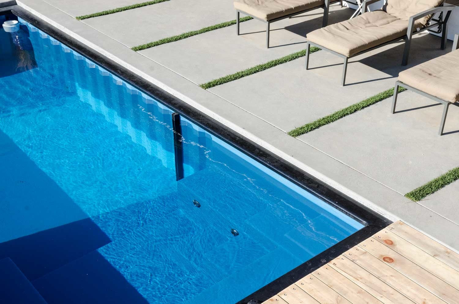 Modpools Shipping Container Pool