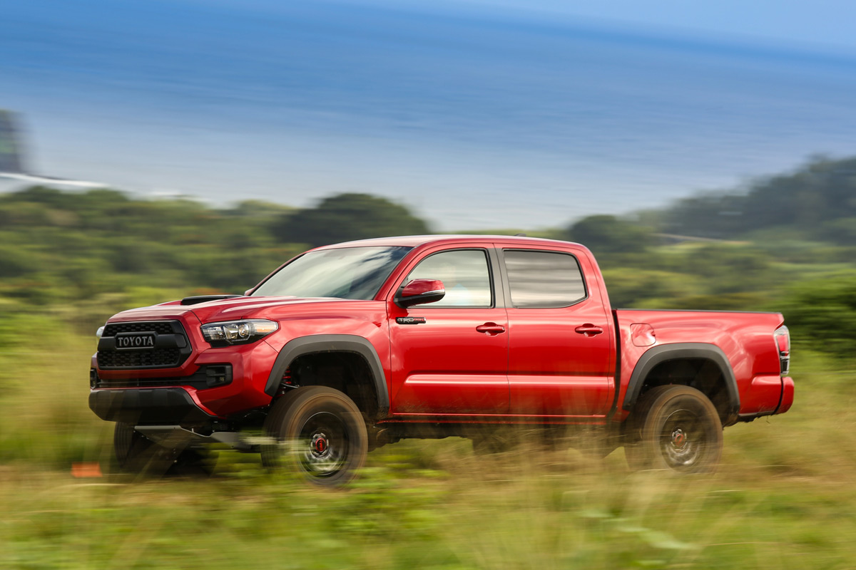 review 2017 toyota tacoma trd pro. Black Bedroom Furniture Sets. Home Design Ideas