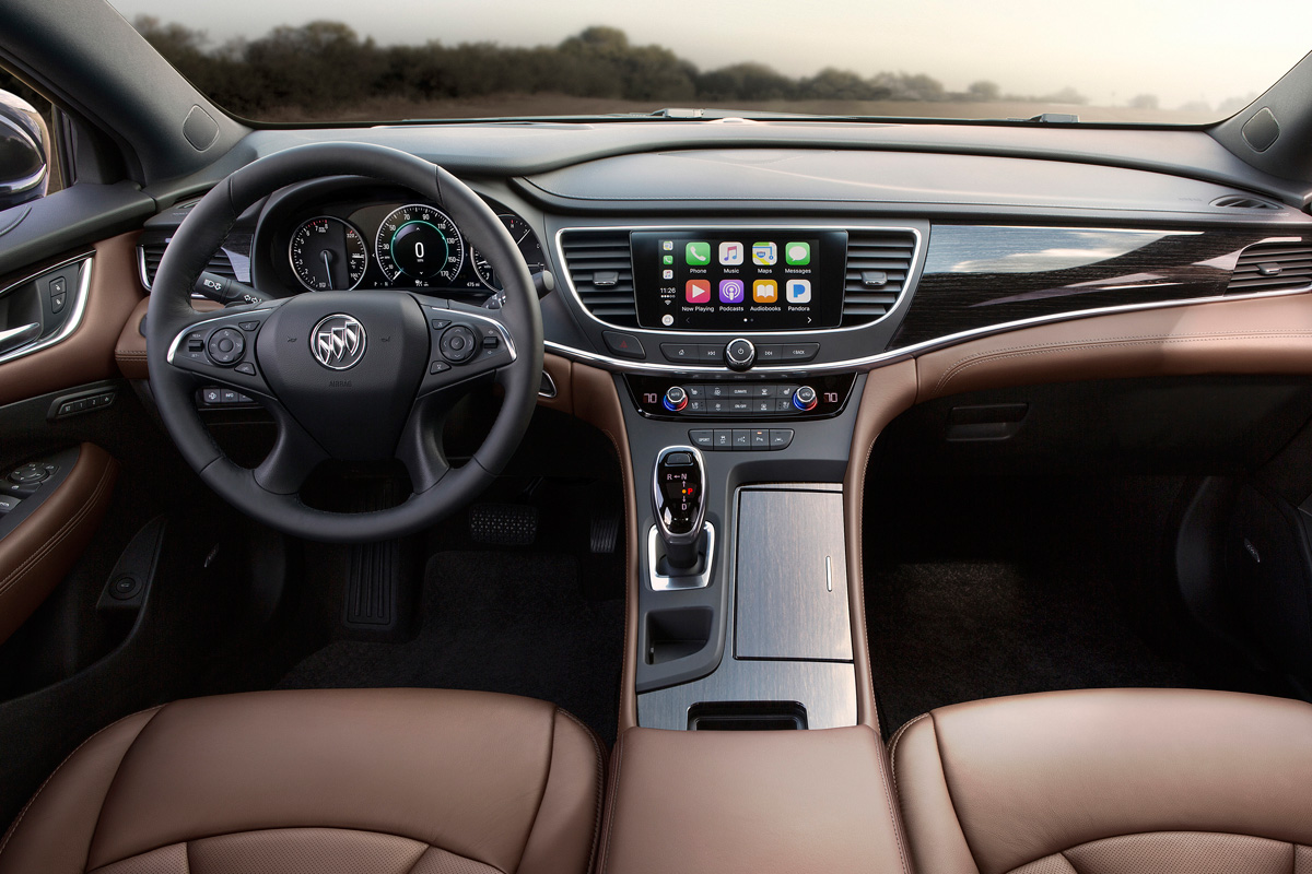 2018 Buick LaCrosse Avenir interior