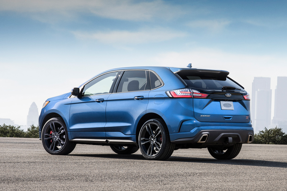 The 335hp Ford Edge St Is A Performance Suv With A Track Mentaility