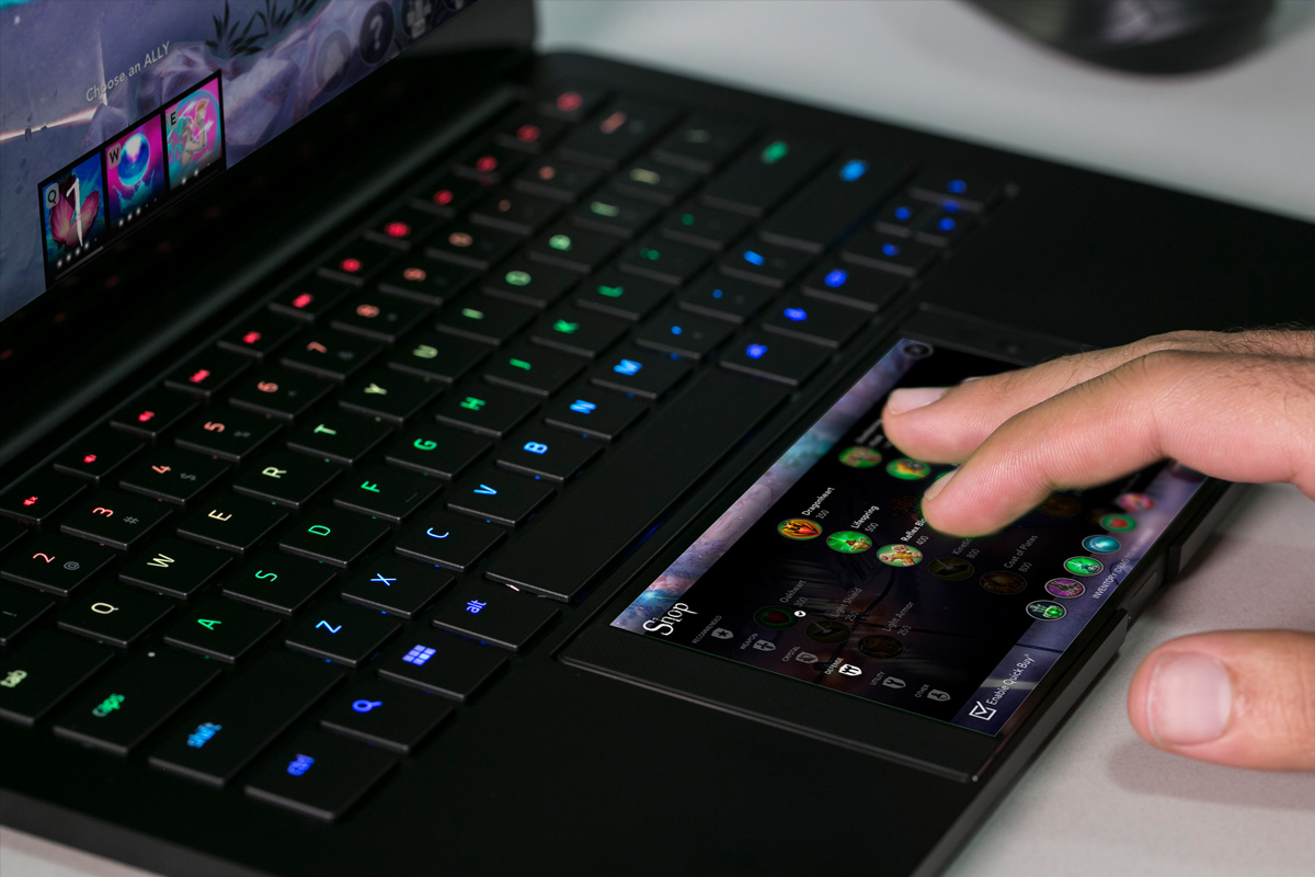 Razer S Project Linda Turns Your Phone Into A Laptop