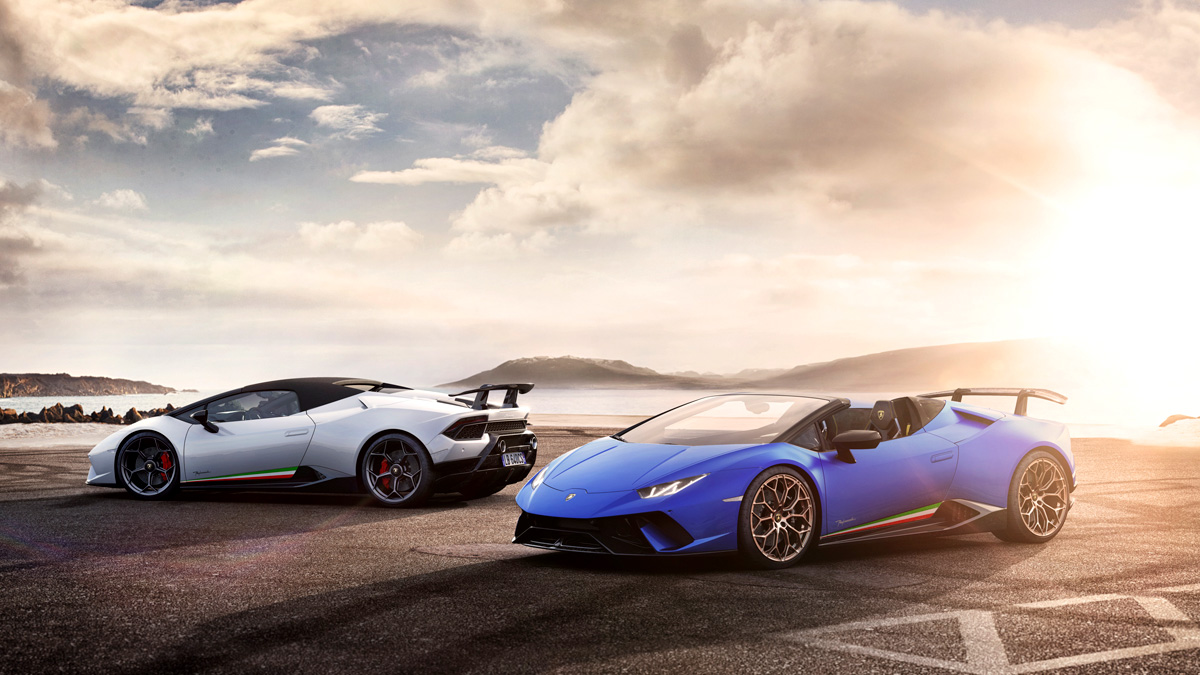 the lamborghini hurac n performante spyder is one crazy fast roadster. Black Bedroom Furniture Sets. Home Design Ideas