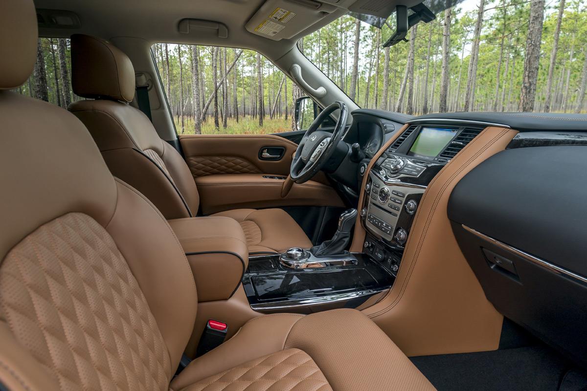 2018 Infiniti QX80 interior