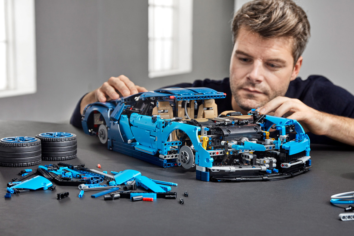 This Outrageous LEGO Bugatti Chiron Set Is 3,599-Pieces Of ...