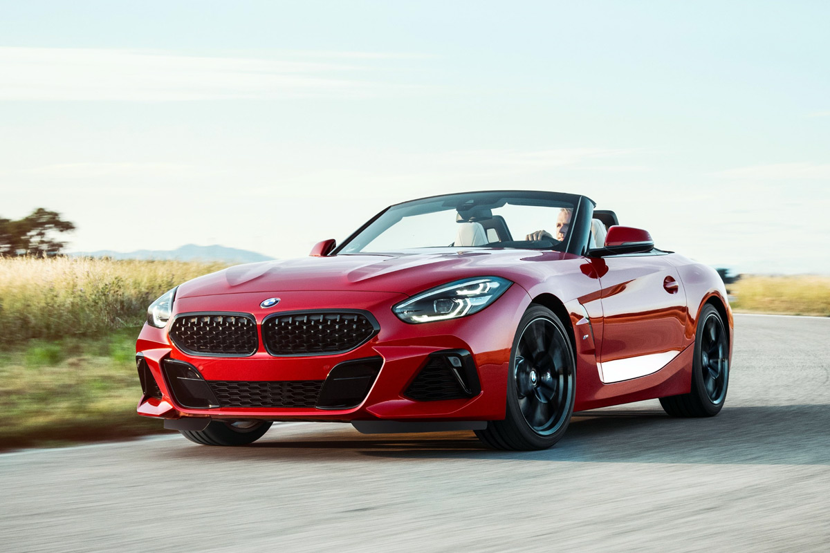the 2019 bmw z4 roadster makes it 39 s world debut at pebble beach. Black Bedroom Furniture Sets. Home Design Ideas