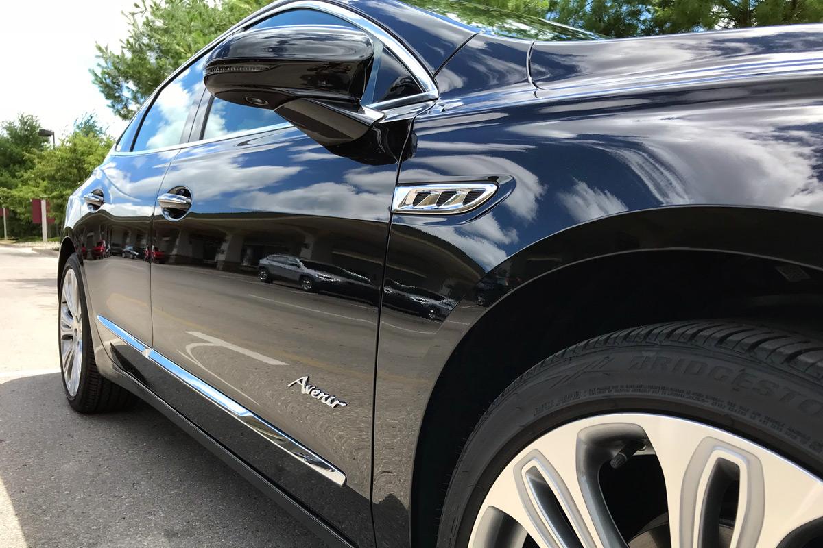 Buick LaCrosse Avenir