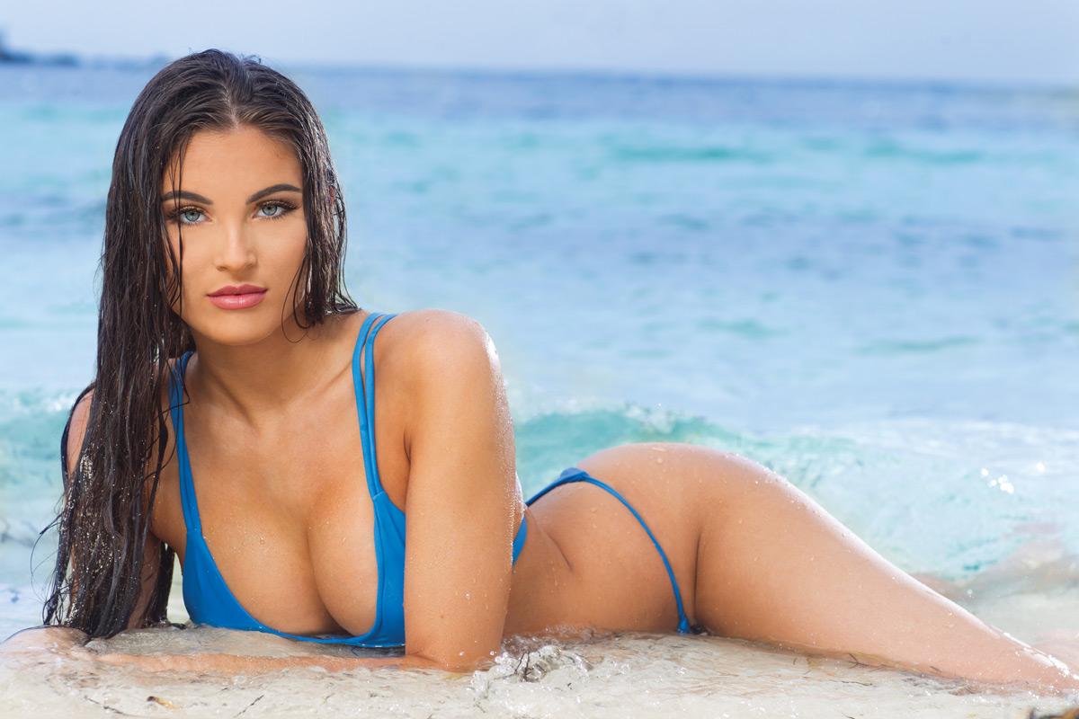 2019 Hooters Calendar - Miss June