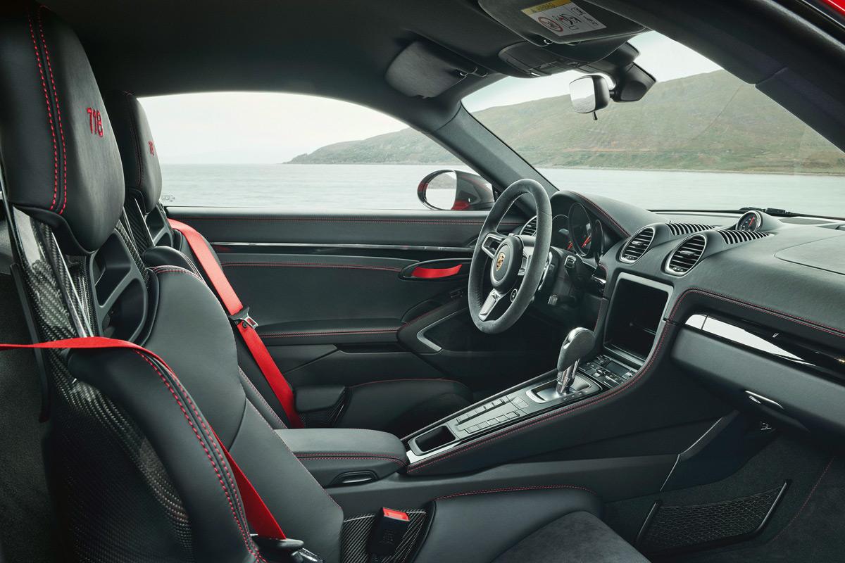Porsche 718 T Interior