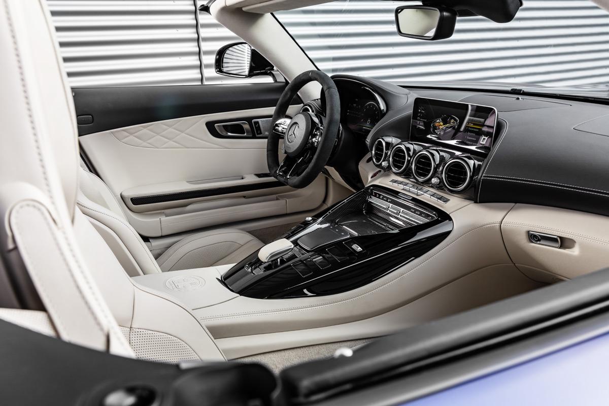 Mercedes-AMG GT R Roadster interior