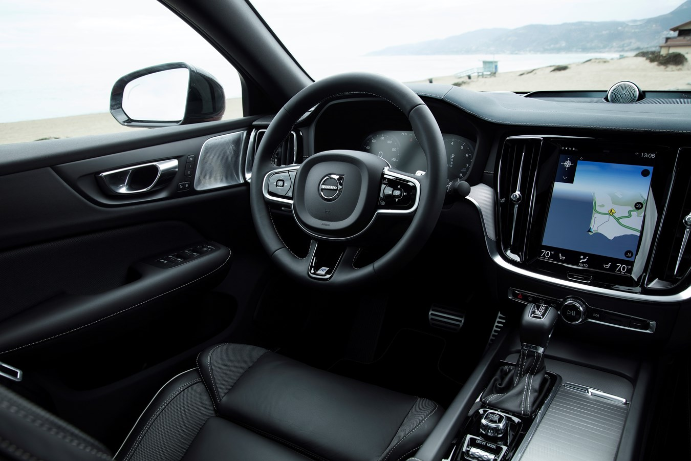 Volvo S60 R-Design interior