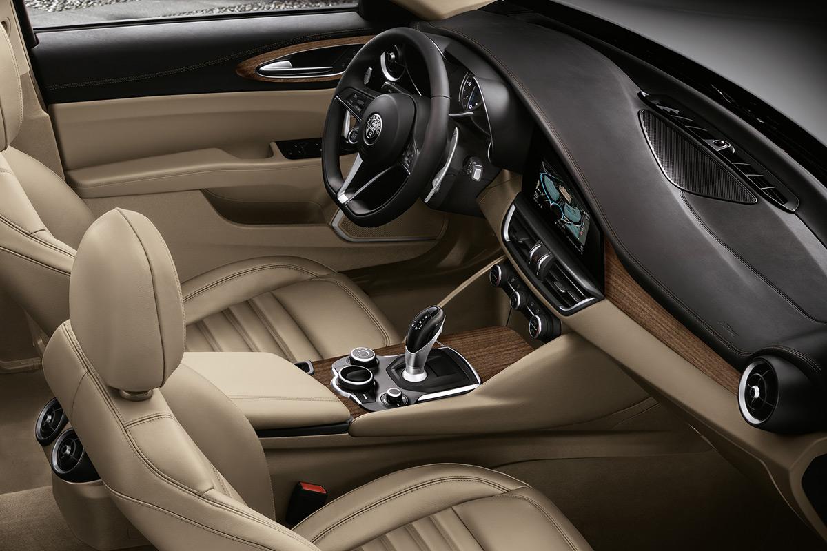 2019 Alfa Romeo Giulia Ti AWD interior