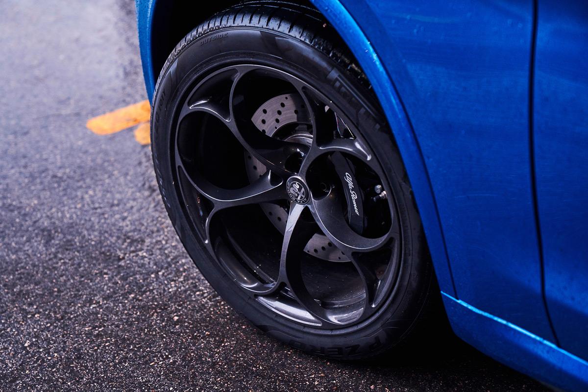 2019 Alfa Romeo Stelvio Quadrifoglio wheels