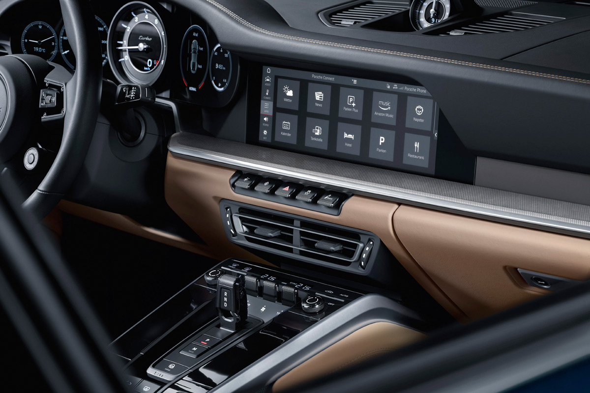 2021 Porsche 911 Turbo (992) interior