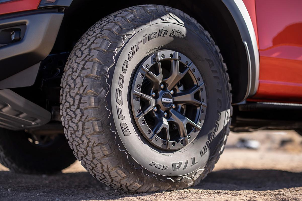 2021 Ford F-150 Raptor 37-inch tires