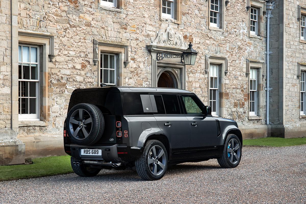 2022 Land Rover Defender V8