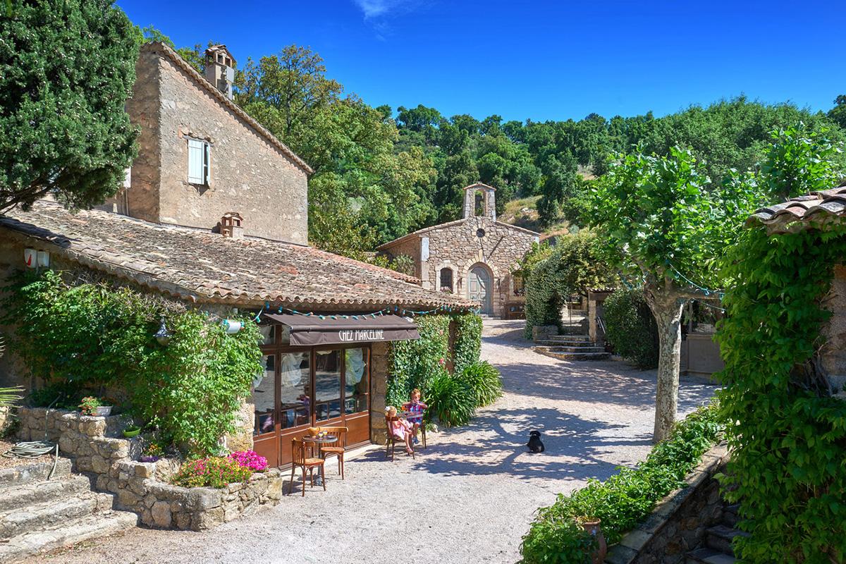 Johnny Depp - French Village