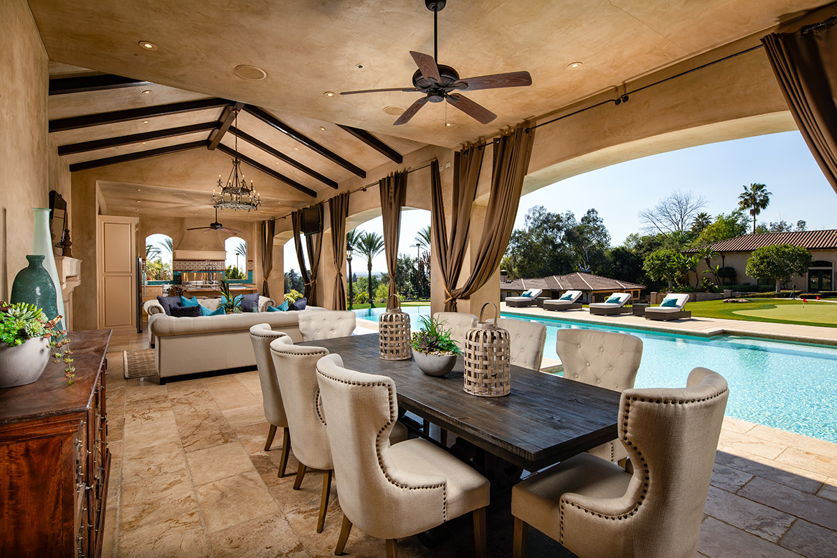 In-N-Out Mansion - Cabana