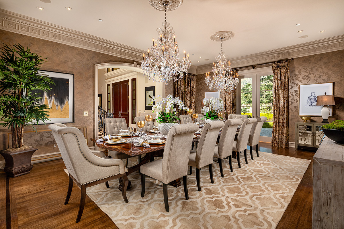 In-N-Out Mansion - Dining Room