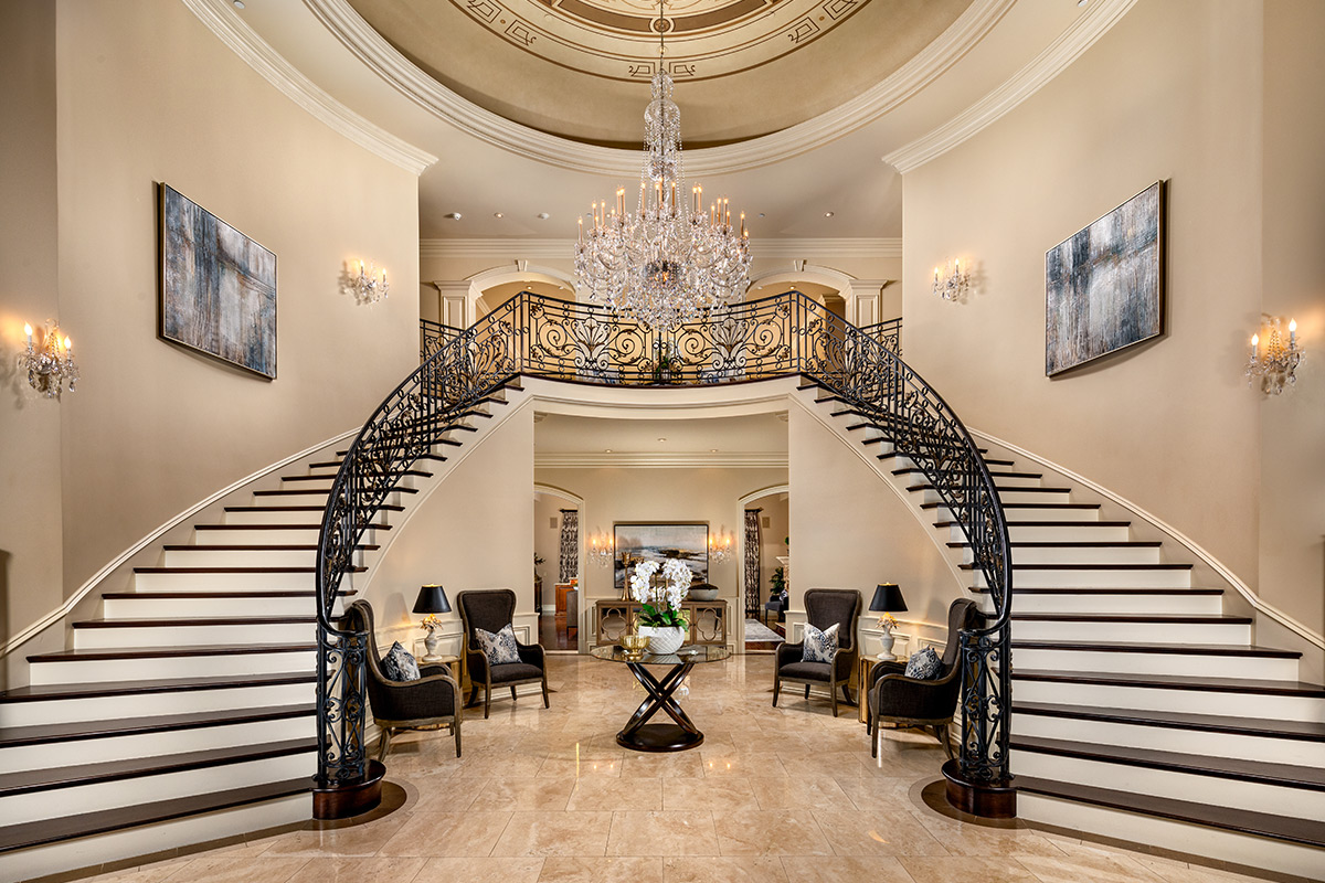 In-N-Out Mansion - Foyer