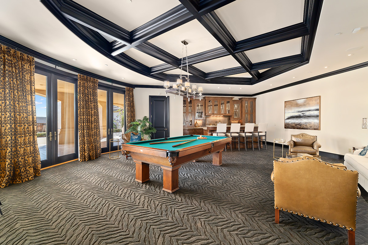 In-N-Out Mansion - Game Room