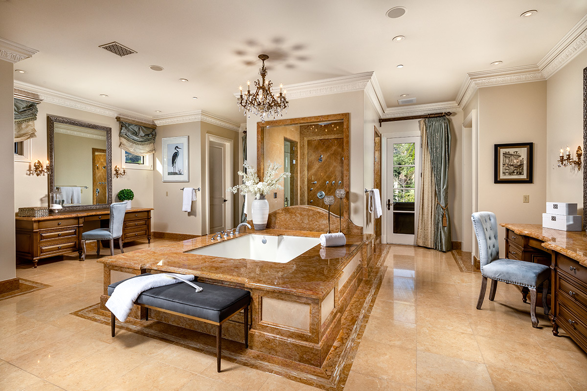 In-N-Out Mansion - Master Bath