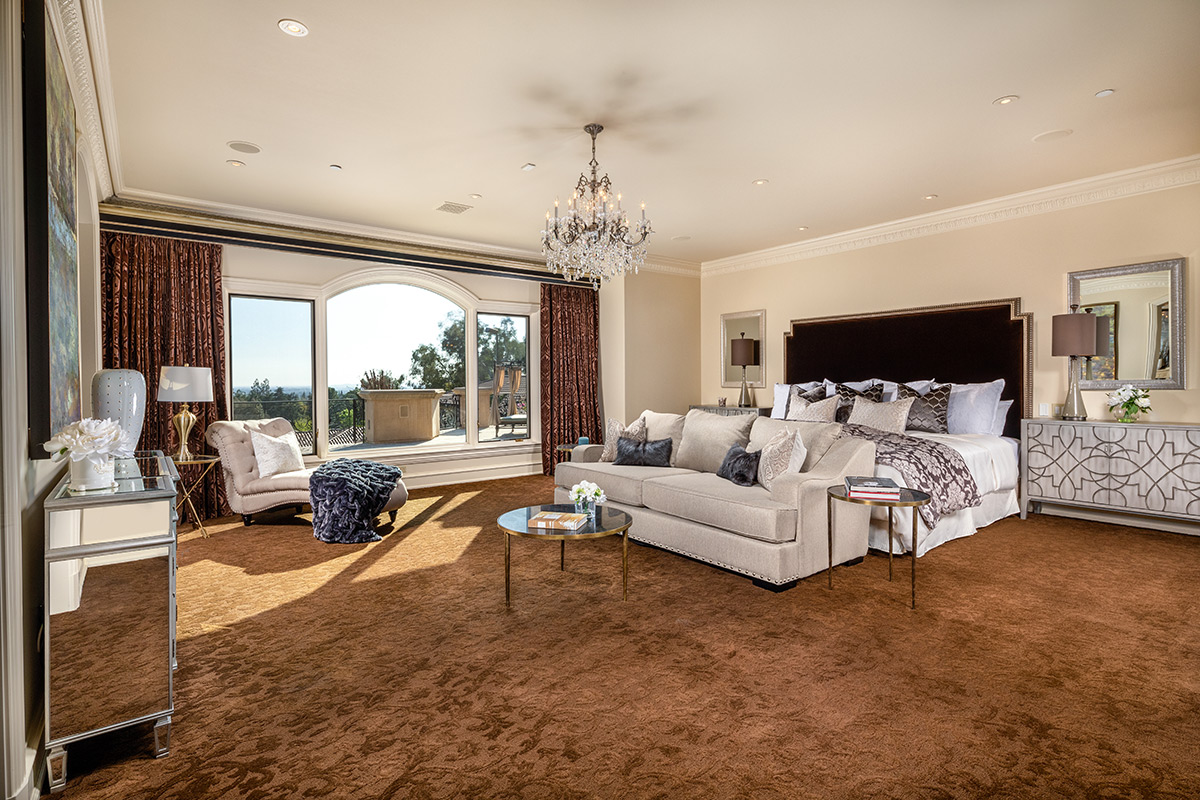 In-N-Out Mansion - Master Bedroom
