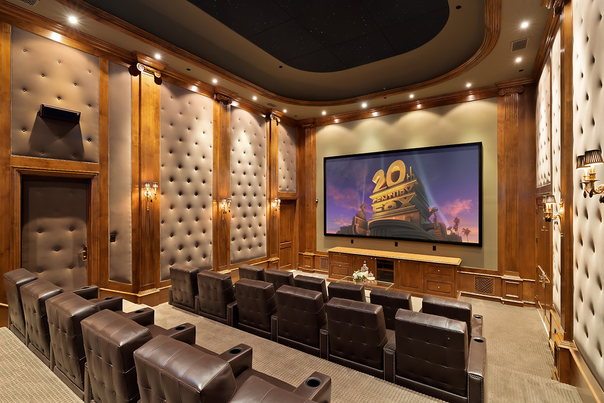 In-N-Out Mansion - Theater Room