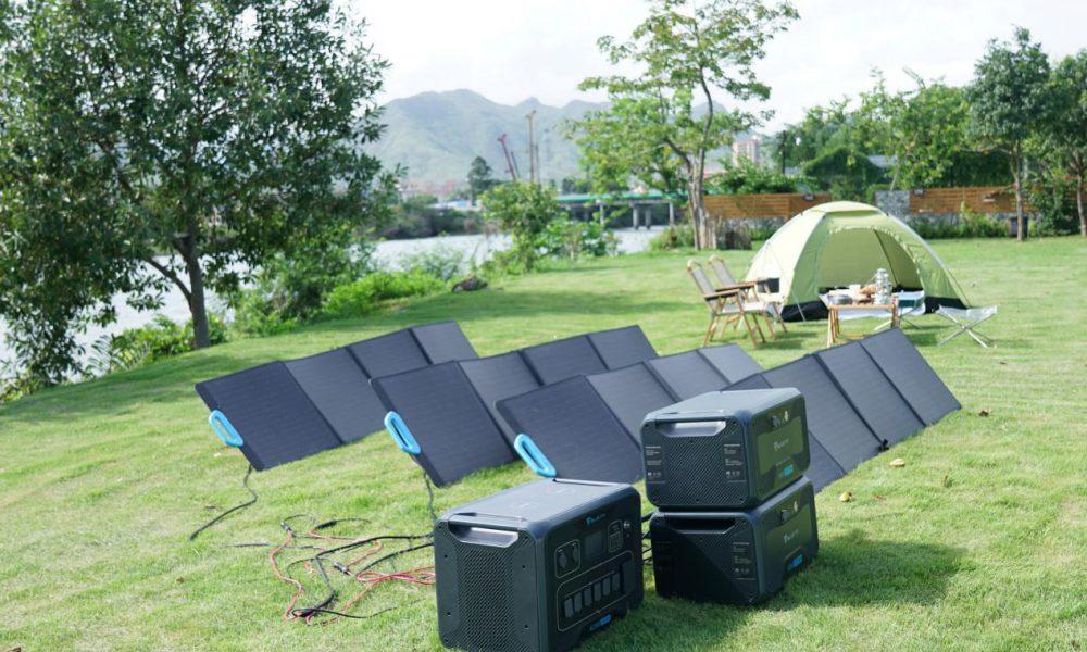 BLUETTI Solar Panel Camp Setup
